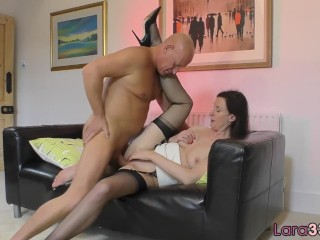 Pussyfucked English Milf Plowed In Closeup