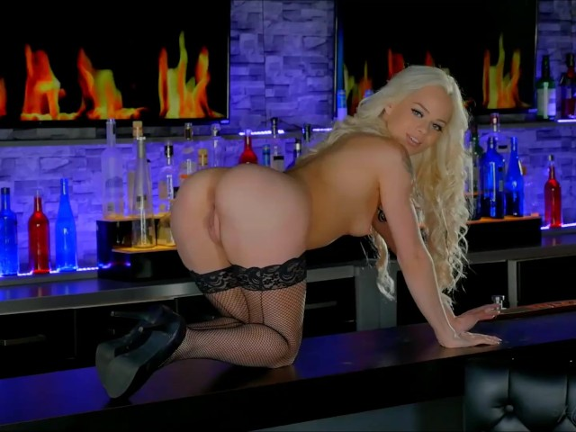 Imagine a Barbie Beauty Like Elsa Jean Stripping in Front of You