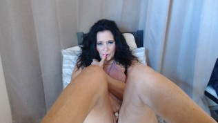 SEXY MATURE Has Live Phonesex With Foot Play & Bong Rips