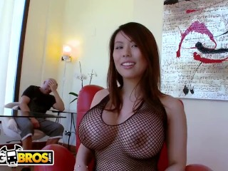 BANGBROS - Hit Like If You'd Like Tigerr Benson's Big Tits In Your Face