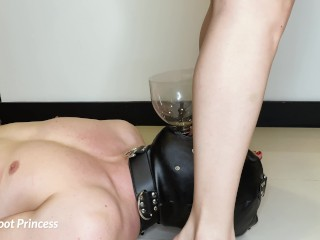 Slave drinks my piss | Little Foot Princess