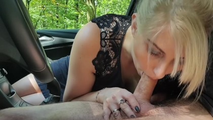 A Young Girl Gave A Blowjob To A Guy In A Car In A Parking Lot