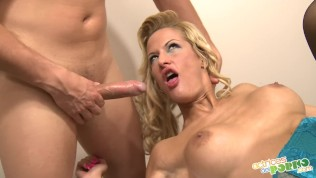 Blowjob at the hairdresser...