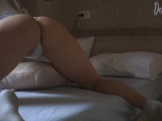 HOT BLONDE HAVING FUN WITH HUMPING A PILLOW GETTING ORGASM - DELUXEGIRL