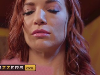 Brazzers - Poker girl Jayden Cole bets with rimjobs and face sitting