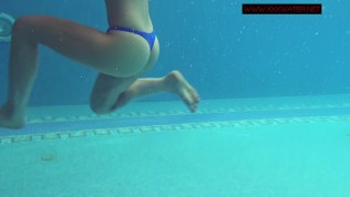 Underwatershow with Lina Mercury Russian model