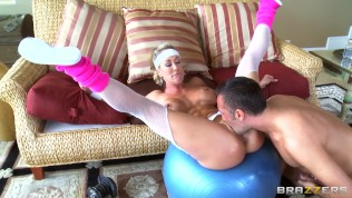 Brazzers - Blonde milf Brandi Love gets drilled by her personal trainer