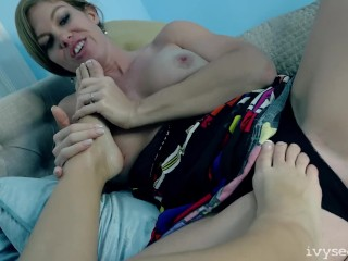 Foot Fetish Fun With Vicky Vette & Ivy Secret