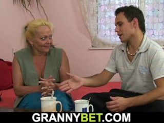 old blonde granny gives up her hairy pussy him