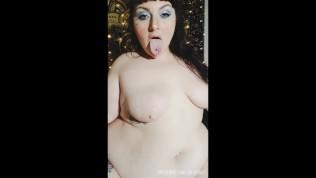 Fat Girl Dances and Sucks Dildo on Snapchat