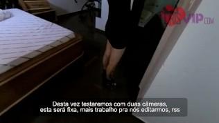 Casada Safada com Fã no motel Humilhando o Corno do Marido – Parte 1/2