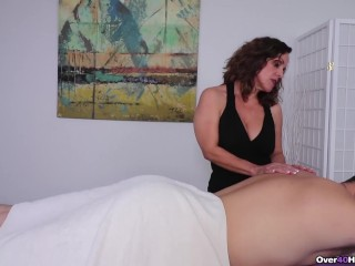 Milf Candi made Him Cum-Milf Massage