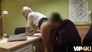 vip4k мужчина готов отдать деньги на юг девушке, если она