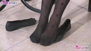 Schoolgirl shoeplay and feet show in stockings