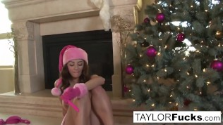 Erotics solo with busty Taylor Vixen