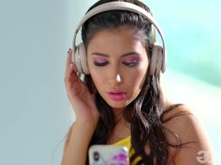 GirlGirl - Gianna Dior Goes Down On Her Stepmom India Summer