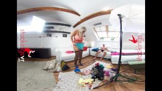 Stockingsvr - Behind the Scenes on a Porn set with curvy Krystal Swift
