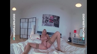pov big cock deep sucking shows vr blondie kitana lure go deep throat