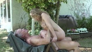 Sloppy blowjob and hot wet pussy fucking with grumpy grandpa