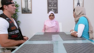 MIA KHALIFA - Arab Stepmom Julianna Vega Threesome With Sean Lawless