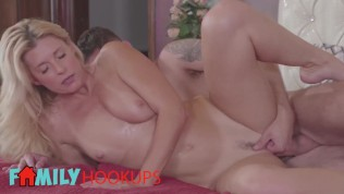 Family Hookups- Skiny blonde milf India Summer is worlds best stepmom