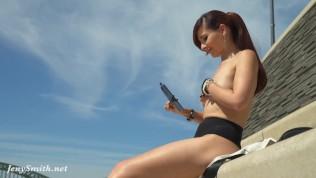 Sexy naked Blogger flashing...