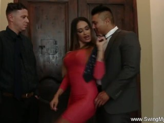 Hot Wife Loves To Fuck Strangers