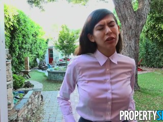PropertySex Factory Worker Enjoys Perks of a Good Real Estate Agent