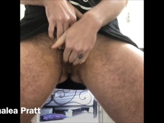 Kink/to shave clit pumping pussy