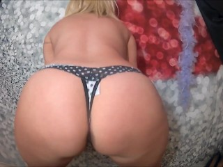 HOT MOMMY SPREAD HER BIG ASS AND PUSSY