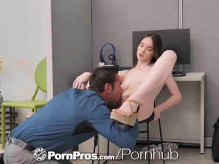 PORNPROS Office Sex With Boss For Promotion