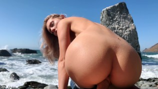 Russian Teen Girl Swallows Hot Cum On Californian Public Beach – Eva Elfie