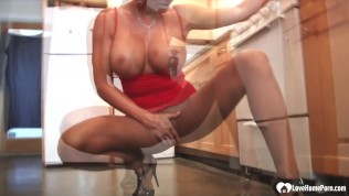 Hot busty milf shows...