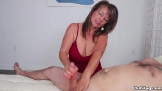 The Cock Milking MILF-Club Tug