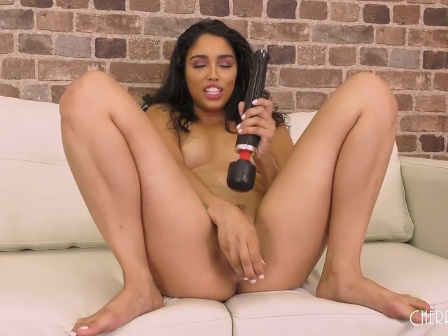 Susi Gala Solo Masturbation