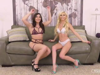 Two Lesbians Treat Their Pussies in Oral and Masturbation Show