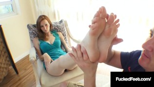 Southern Cali Girl Dee Dee Lynn Strokes A Cock With Her Fantastic Feet!