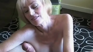On The Bed With Amateur Granny