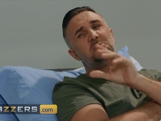 Brazzers - Extra thicc Nurse Savannah Bond rides big dick in uniform