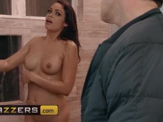 Brazzers - Bubble butt latina Katana Kombat cheats with big cock