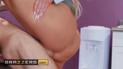 brazzers ingyenes porn tube
