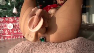 Санта девушка получила оргазм на рождество - хочу твердый член Fiamurr