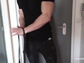 Ripped Muscle Man Jerks His Beautiful Cock Maskurbate