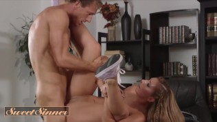 Sweet Sinner - Bubble Stepdaughter craves dilfs big dick