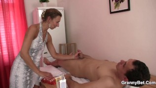 tight poon masseuse hot granny games
