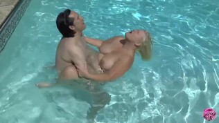LACEYSTARR - Granny Loves Fucking In The Water