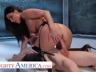 naughty america india summer plays with her student
