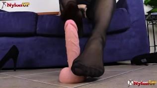 hot babe sexy footjob wearing stockings