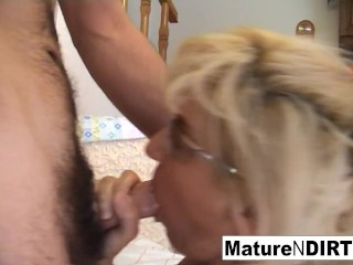 Mature Slut Receives An Anal Fucking