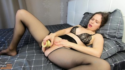 Amateur In Black Pantyhose Masturbates With A Squirt